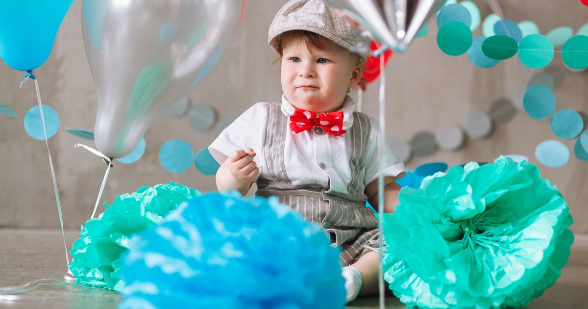 The Big First Birthday Party Debate What To Do When Your Kids Turns One