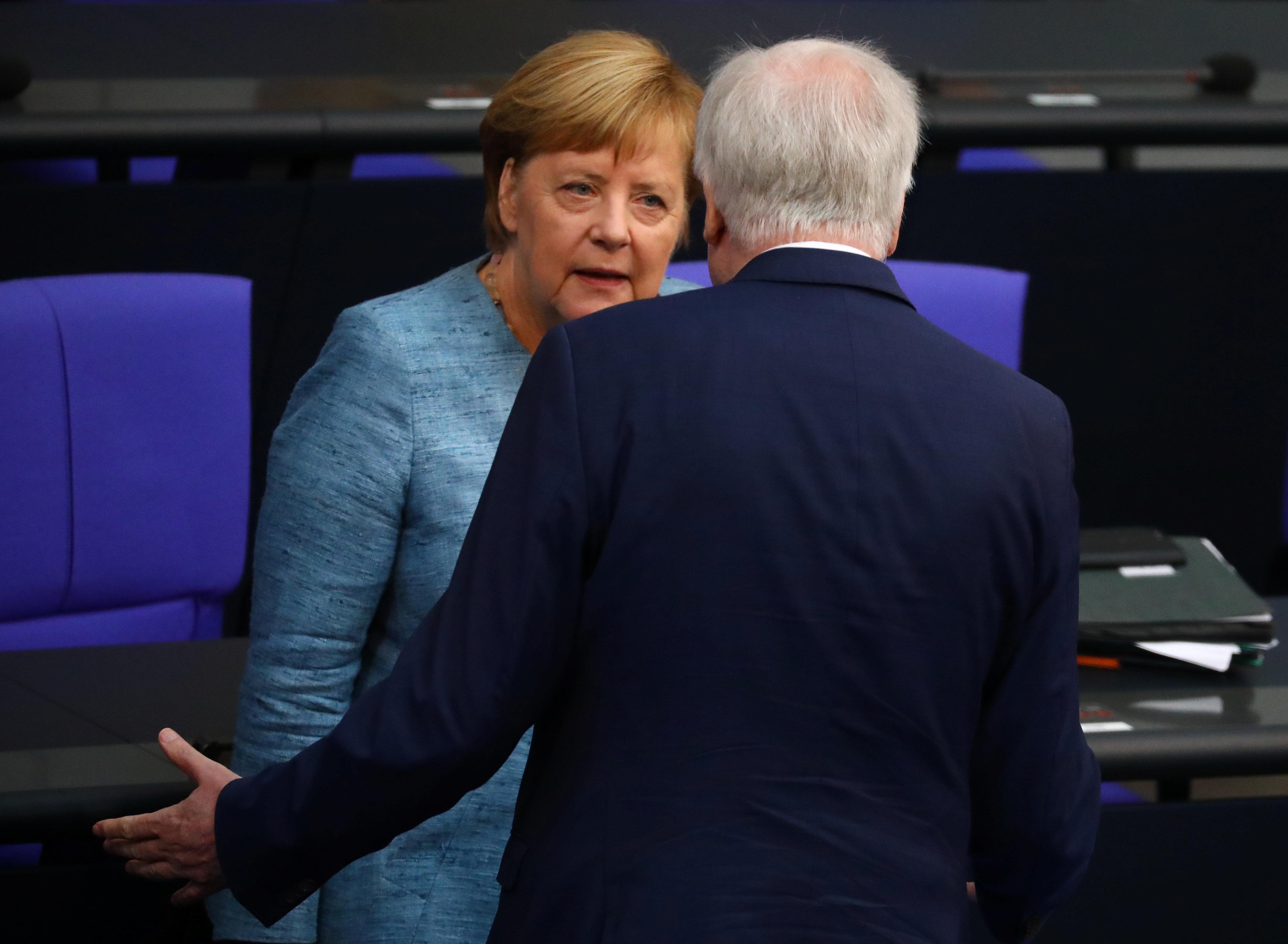 Merkel äußert sich zur Zukunft von Seehofer als
