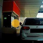 이 운전자가 맥도날드 직원에 음식 집어 던진