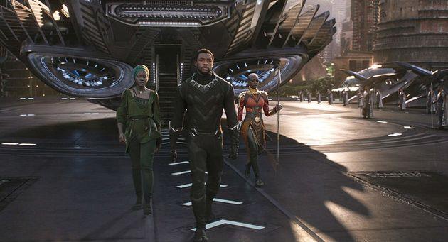 스탠 리는 인종, 젠더를 떠나 누구나 슈퍼히어로가 될 수 있는 우주를
