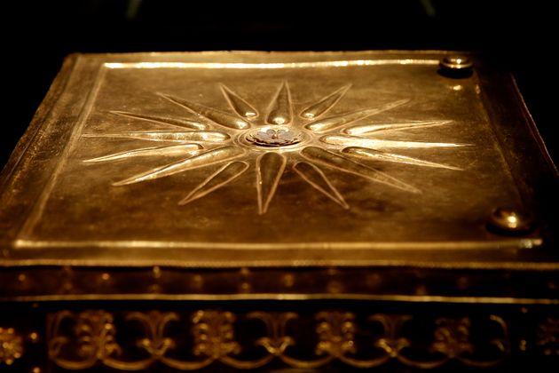 Επανεξετάζονται τα οστά των βασιλικών τάφων της