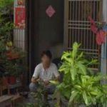 Mutter stirbt an Krebs, 4 Jahre später sieht Tochter sie vor Haustür
