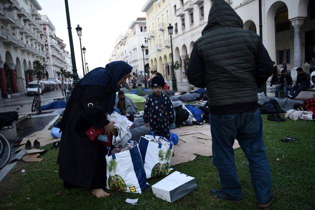 Επιπλέον χρηματοδότηση 43,7 εκατ. ευρώ από την Κομισιόν στον ΔΟΜ για τους πρόσφυγες στην