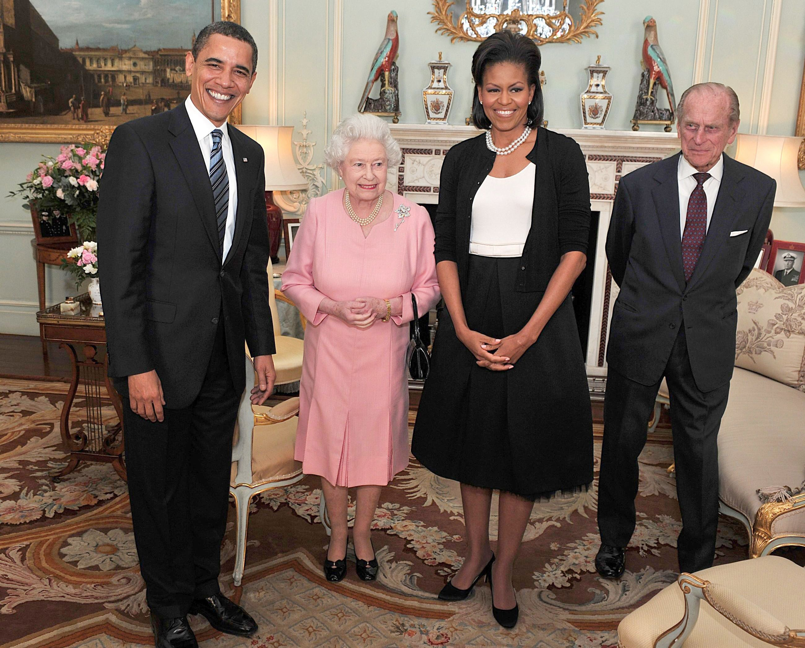 US President Barack Obama and his wife Michelle, pose with Britain's Queen Elizabeth II and Prince Philip, during an audience at Buckingham Palace in London, Wednesday April 1, 2009.(AP Photo/John Stillwell, pool)