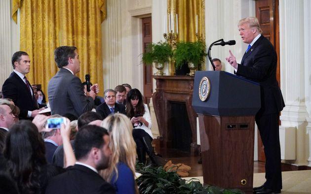 Λευκός Οίκος: Στην διακριτική ευχέρεια Τραμπ να επιλέγει τους δημοσιογράφους που καλύπτουν την αμερικανική