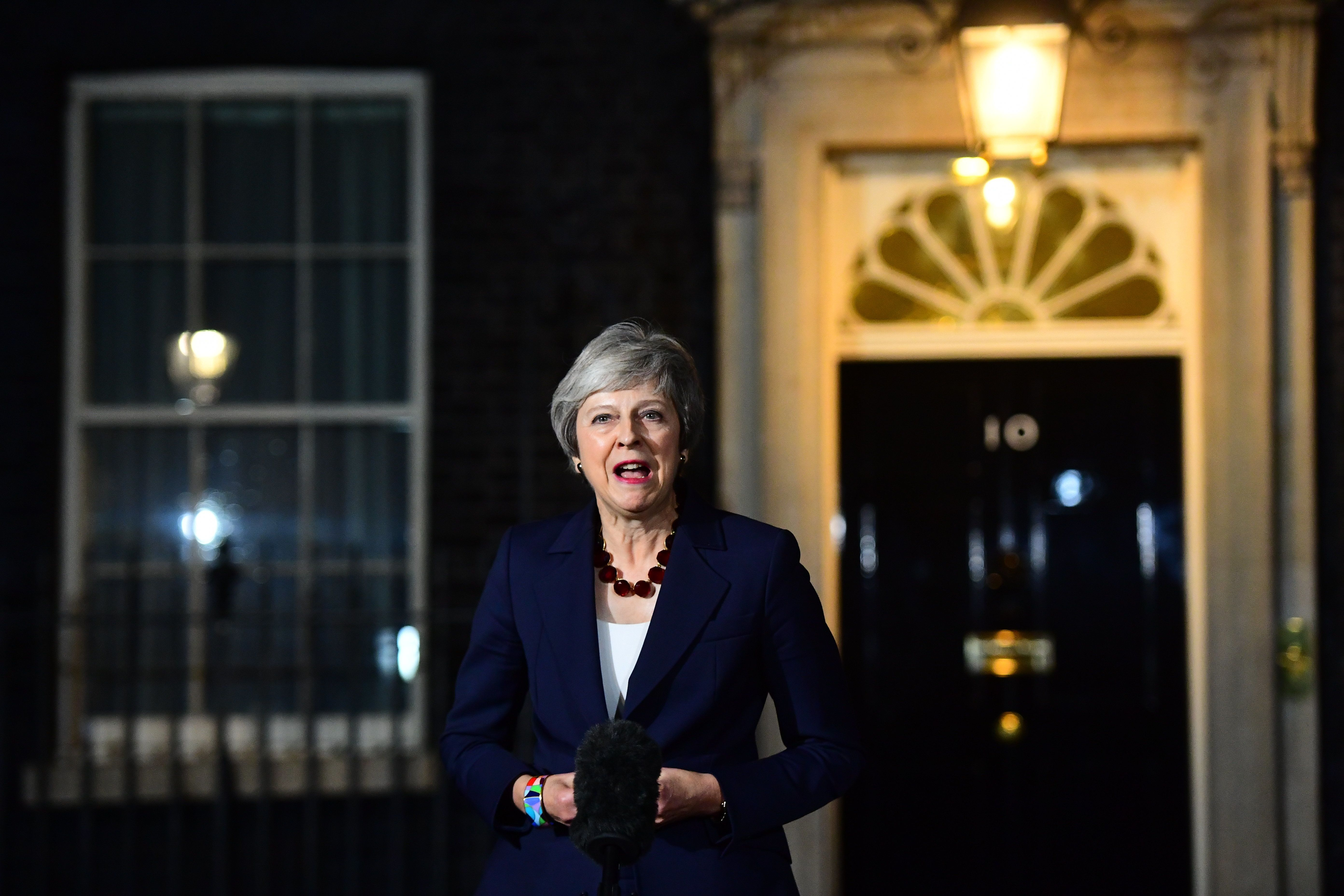 Brexit Looms: Theresa May Wins Cabinet Support For EU Divorce Deal thumbnail