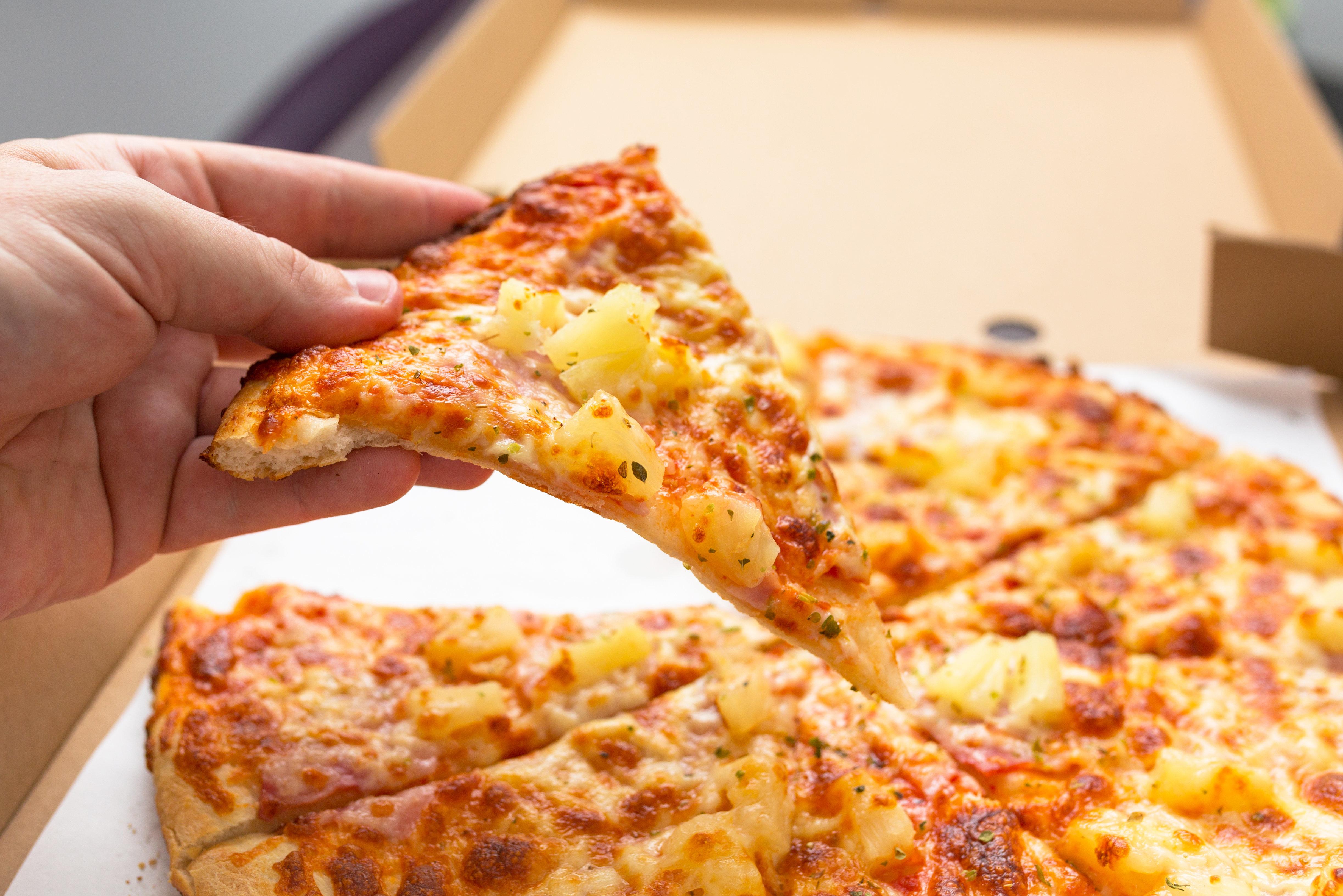 스웨덴에는 '파인애플 피자'보다 난이도 높은 과일 피자가
