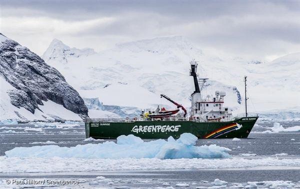 지난 3월, 남극해 탐사를 다녀온 그린피스 환경 감시선