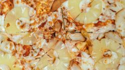 Iceland's President Apologises For Saying Pineapple Pizza Should Be
