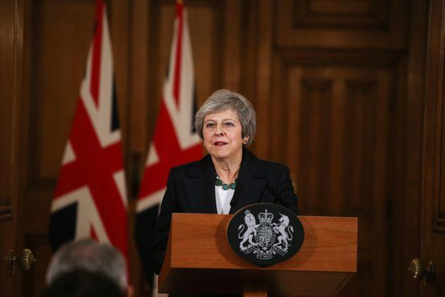 테레사 메이 영국 총리가 집무실에서 기자회견을 하고 있다. 2018년