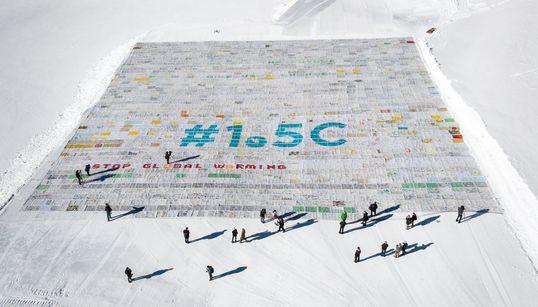 Τα παιδιά γράφουν στον παγετώνα STOP GLOBAL WARMING # 1.5