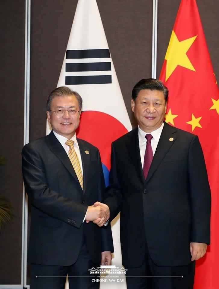 문재인 대통령과 시진핑 주석이 북미회담 성공을 위해 노력하기로