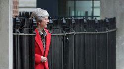 Με παραιτήσεις απειλούν τη Μέι οι ευρωσκεπτικιστές υπουργοί αν δεν τροποποιήσει το σχέδιο για το