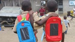 코트디부아르 아이들의 책가방에는 특별한 기능이