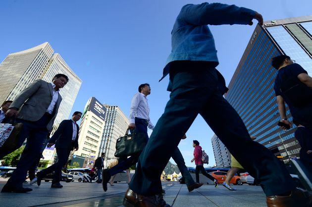 지난해 한국 노동자가 받은 평균 연봉은 3500만원에