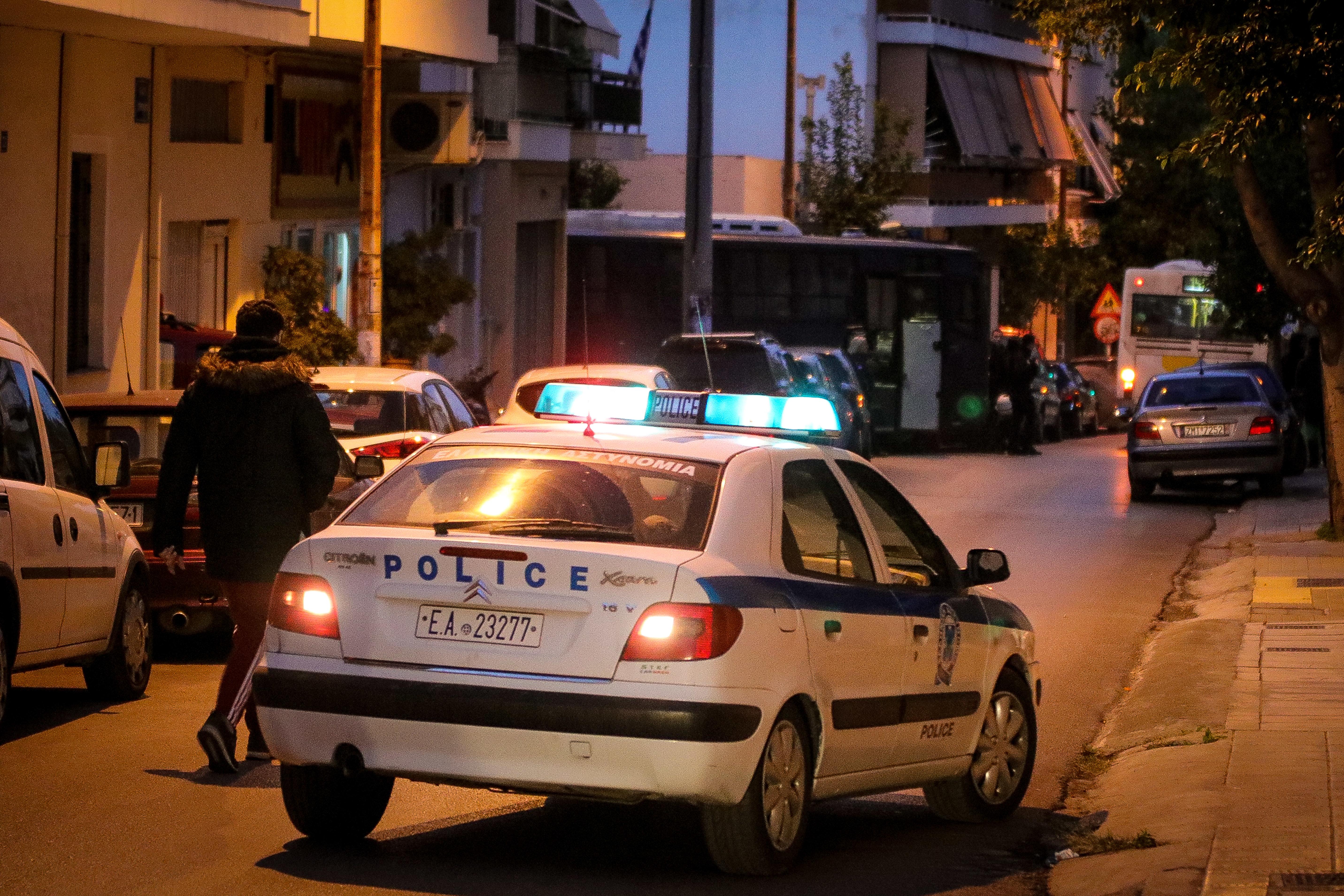 Πυροβολισμοί έξω από κλαμπ στην Ιερά Οδό και εννιά