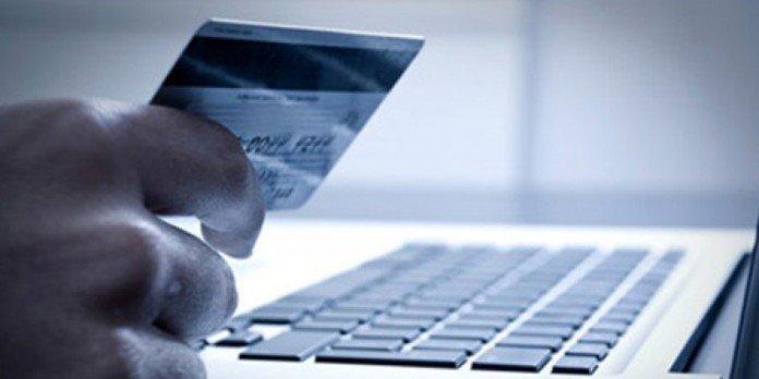 Ερευνα: Τι αγοράζουν οι Ελληνες online την Black