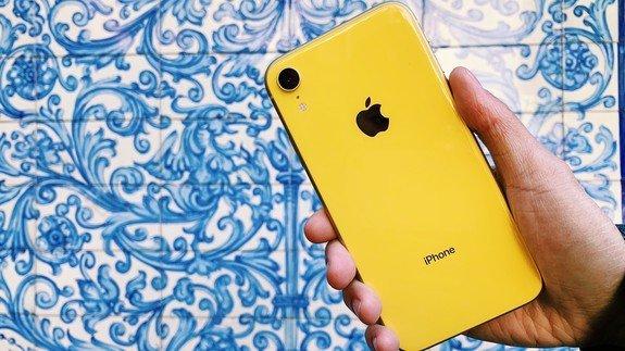 «Ψαλίδι» στην παραγωγή των νέων iPhone από την
