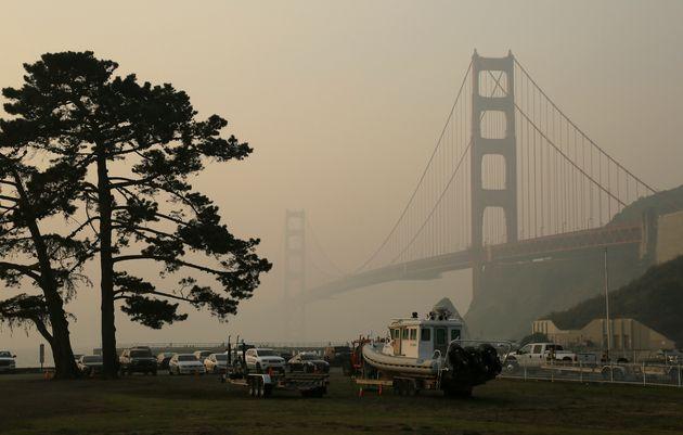 Smoke-filled haze from the Camp fire engulfs San Francisco's Golden Gate Bridge on Nov. 16,