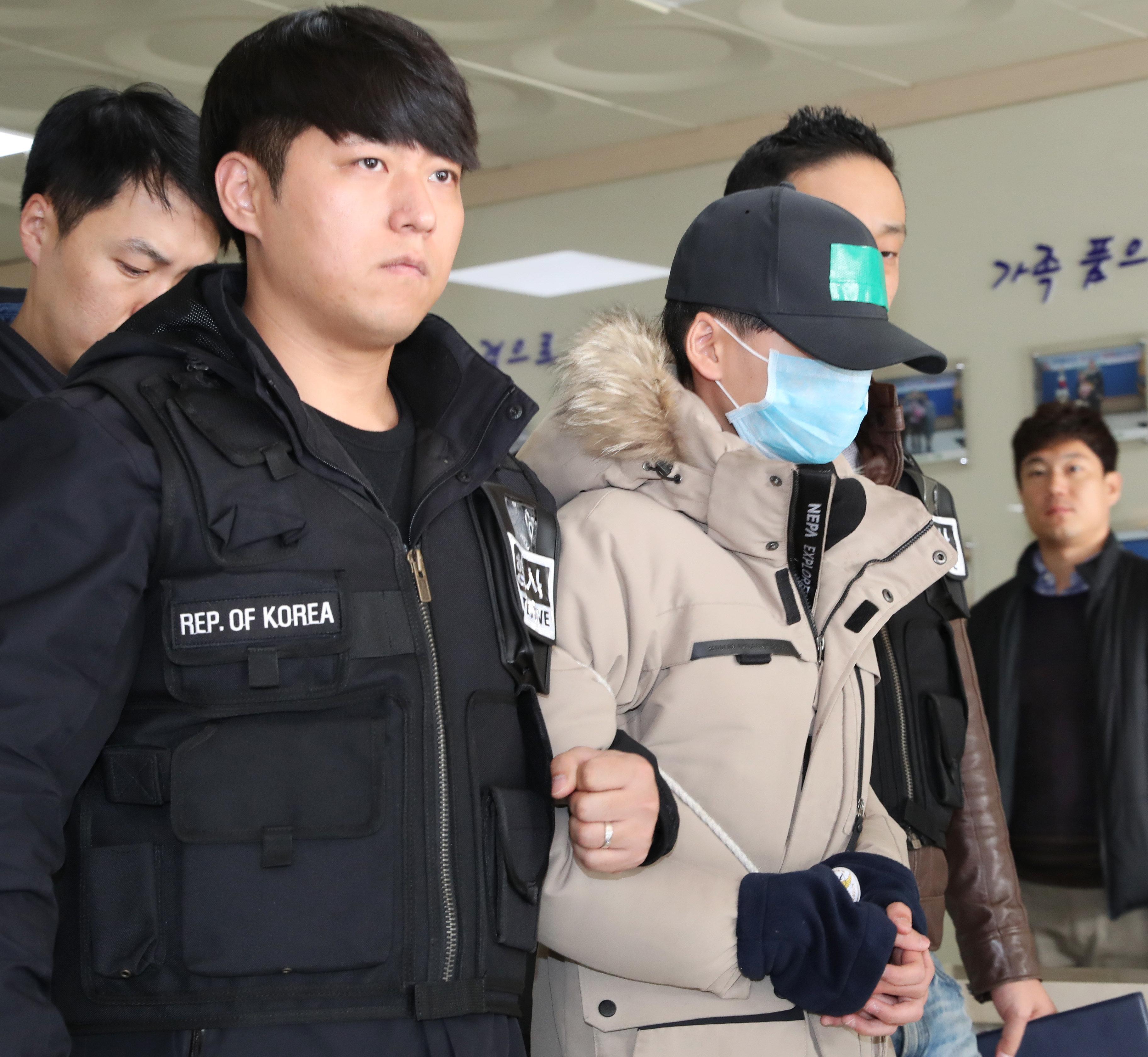 '인천 중학생 추락사' 가해자가 피해자 패딩입고 출두한 이유에 대한 전문가의