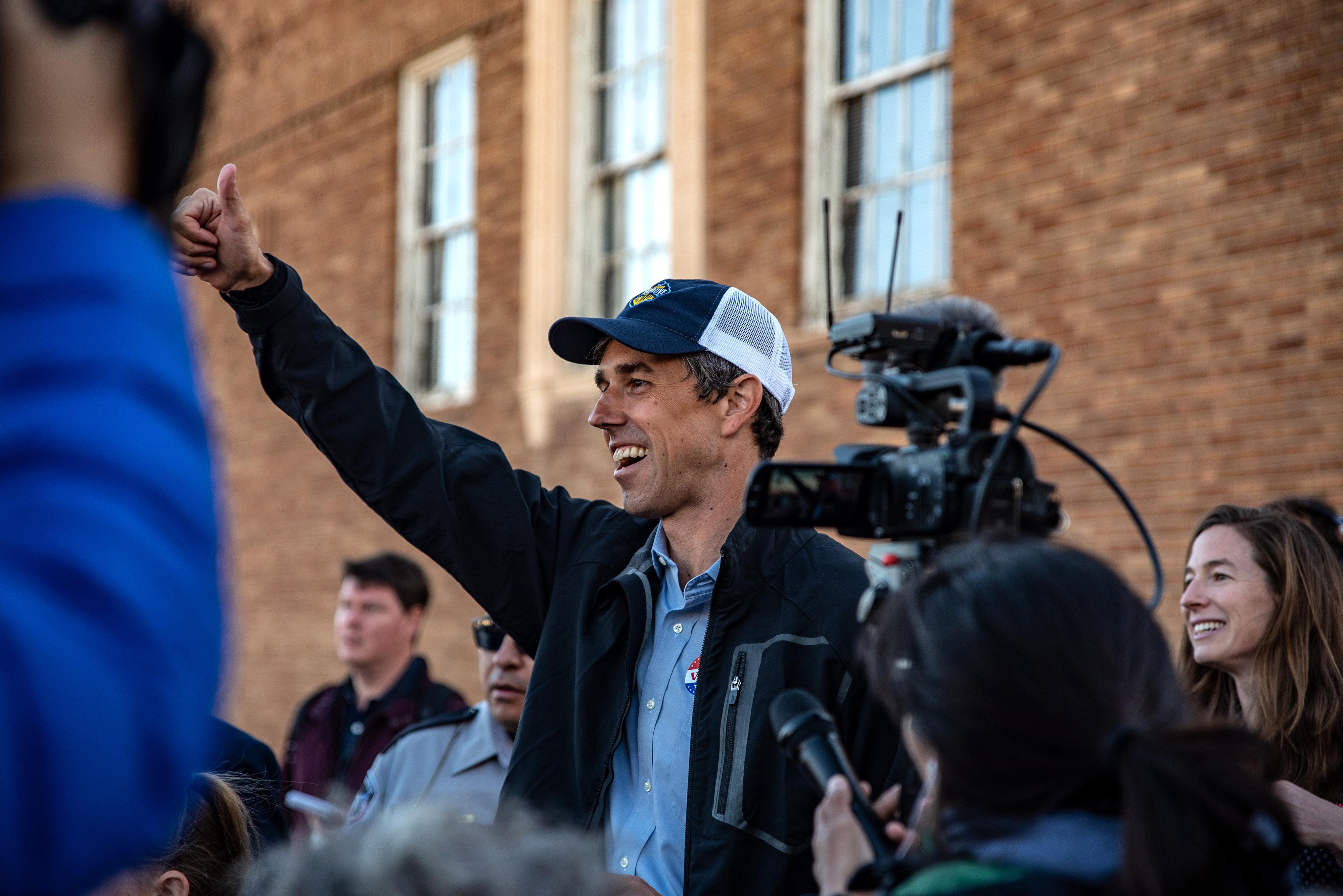 Μπέτο Ο'Ρουρκ: Ο λευκός Μπαράκ Ομπάμα που βάζει πλώρη για τον Λευκό Οίκο και το εμπόδιο των Starbucks