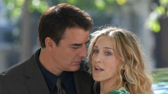 NEW YORK - SEPTEMBER 19:  Chris Noth and Sarah Jessica Parker act on Location for Sex and The City: The Movie on Fifth Avenue's Museum Mile, New York City, September 19 2007  (Photo by Bobby Bank/WireImage)