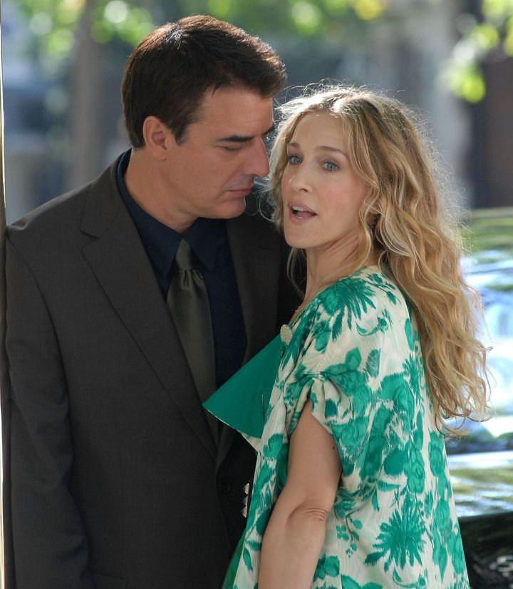 """Chris Noth and Sarah Jessica Parker film scenes for the first """"Sex and the City"""" film."""