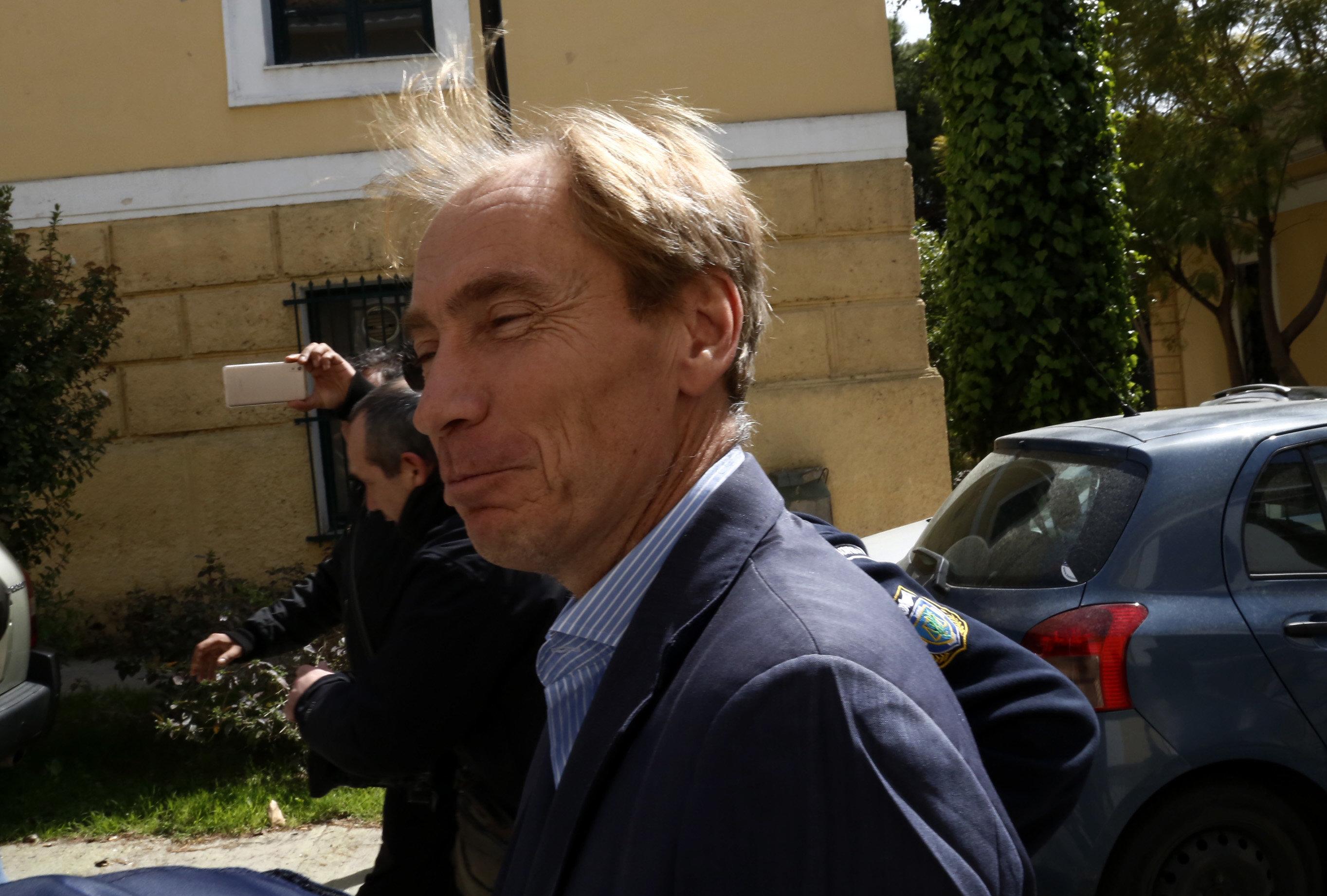 Δραπέτευσε ο τραπεζίτης Oσβαλντ, υπόδικος για την υπόθεση Siemens και τα