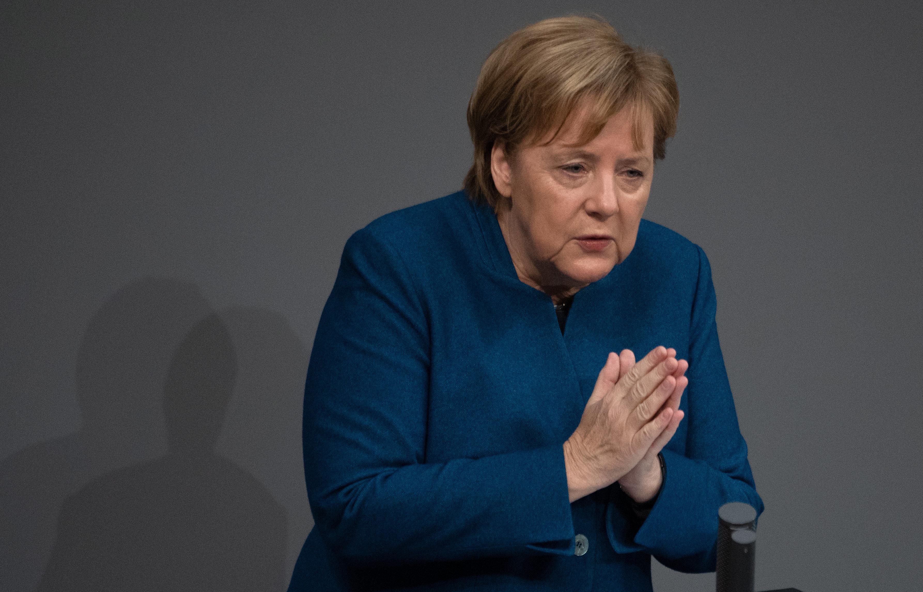 AfD empört sich über UN-Migrationspakt –Merkel reagiert mit klaren