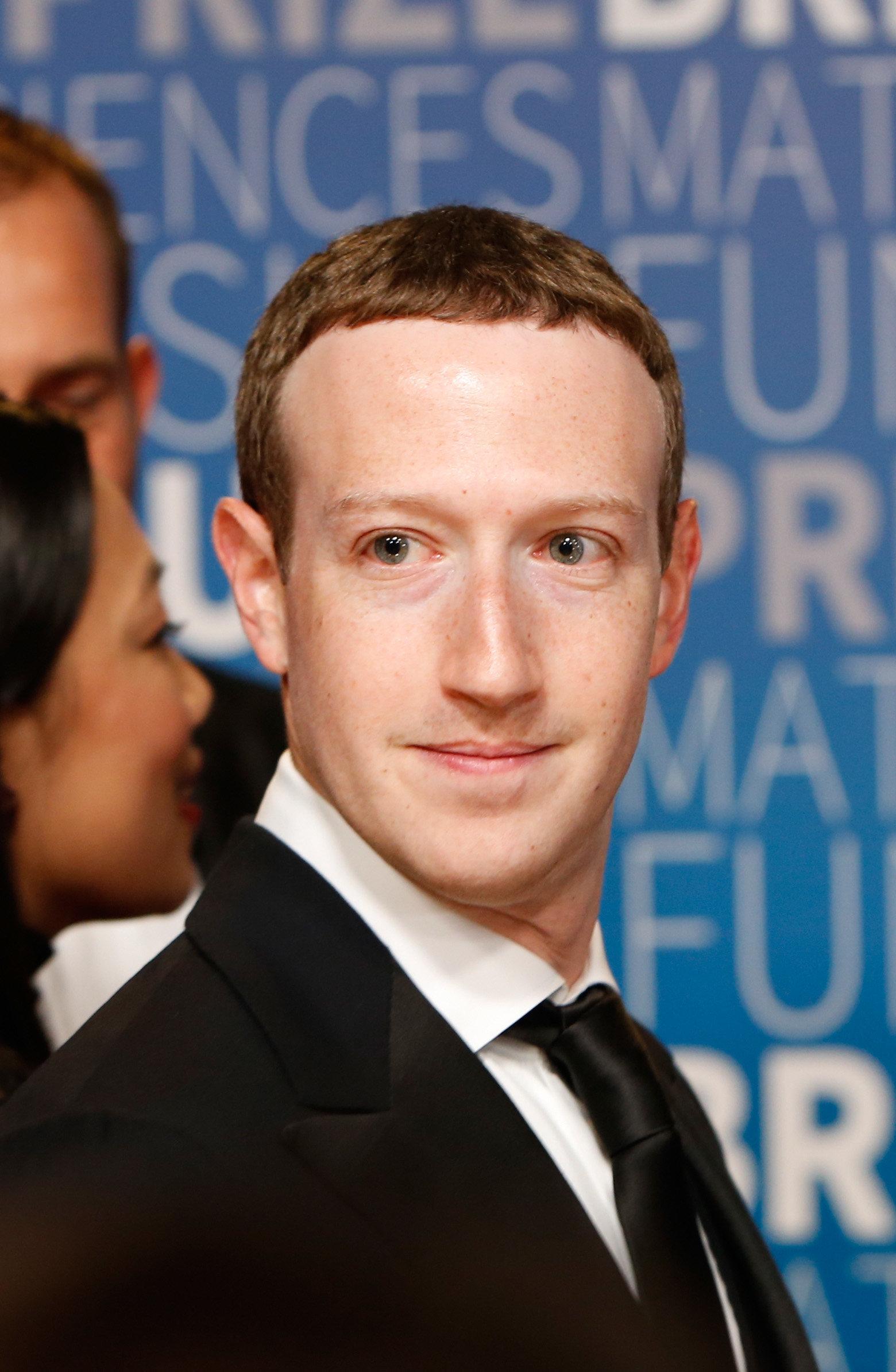 Facebook: Zuckerberg ne prévoit pas de