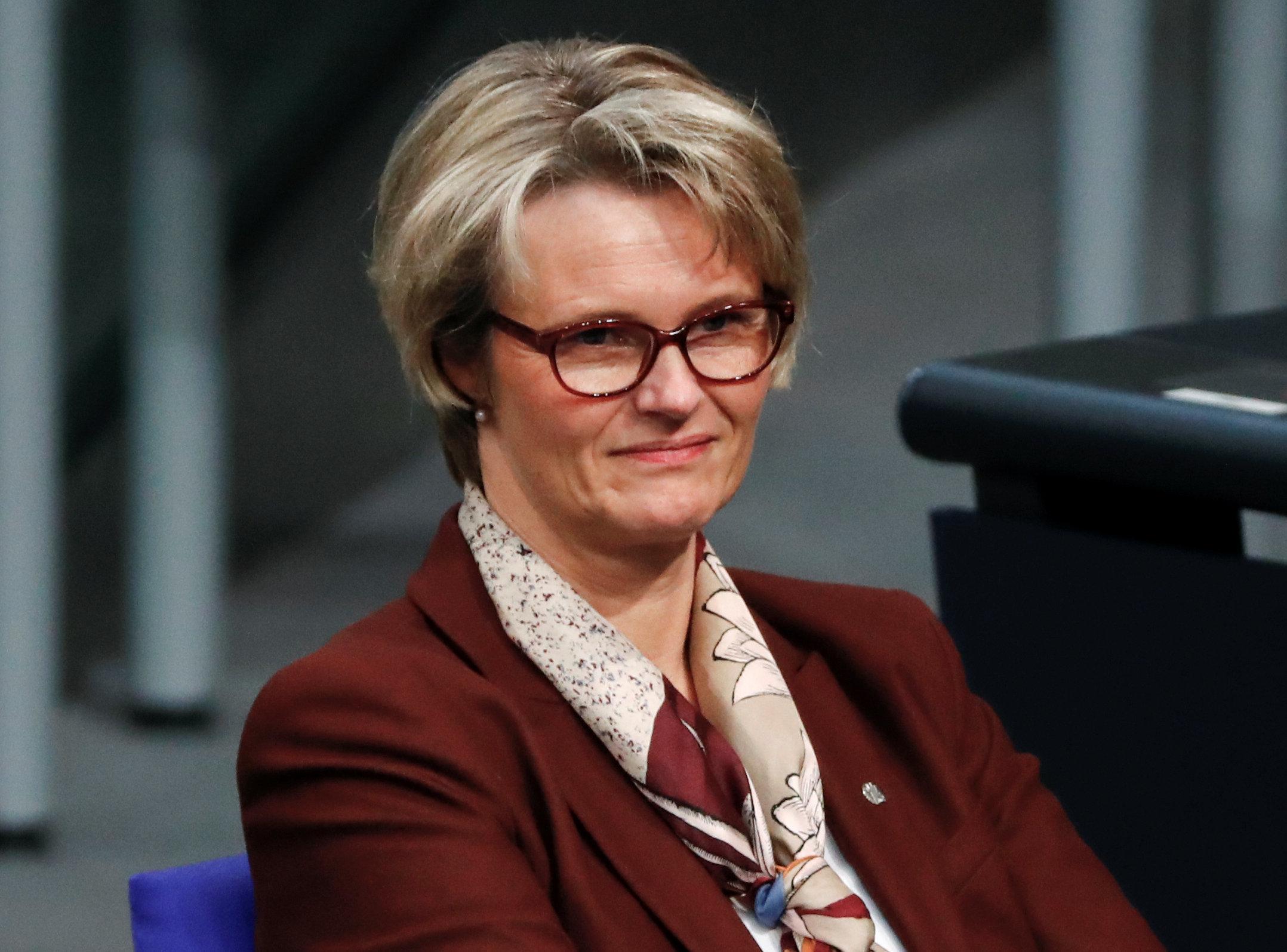 Ehe für alle: Ministerin fordert Studie zu Kindeswohl –und sorgt für
