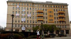 Ενοικιαστές της Λεωφόρου Καρλ Μαρξ αντιμέτωποι με τον καπιταλισμό - Πωλούνται τα σπίτια