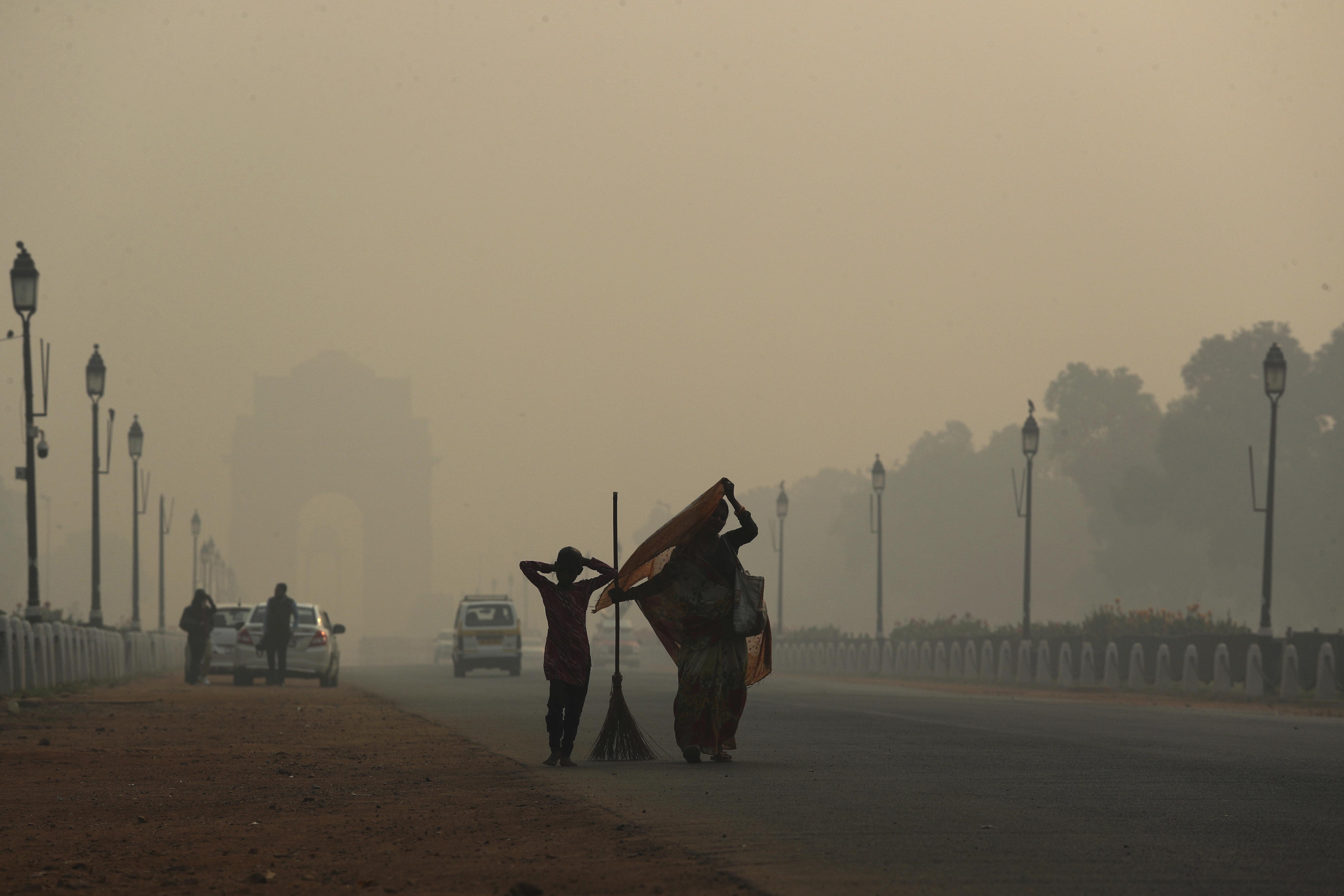 미세먼지가 짙은 인도 뉴델리