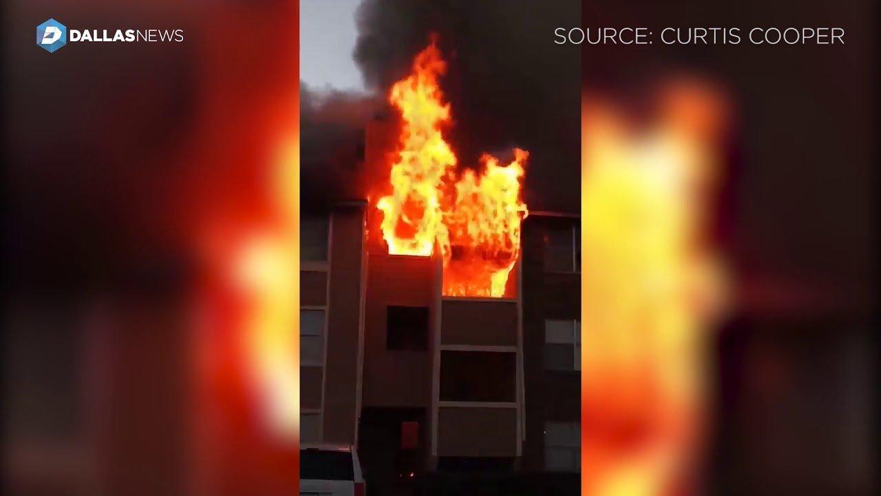 한 남성이 활활 타는 이 건물에서 떨어진 아기를 완벽하게