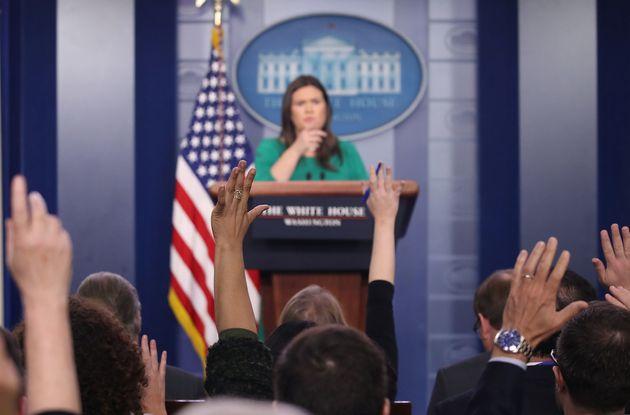 기자들이 백악관 대변인보다 칠면조와 더 많은 시간을 보낸
