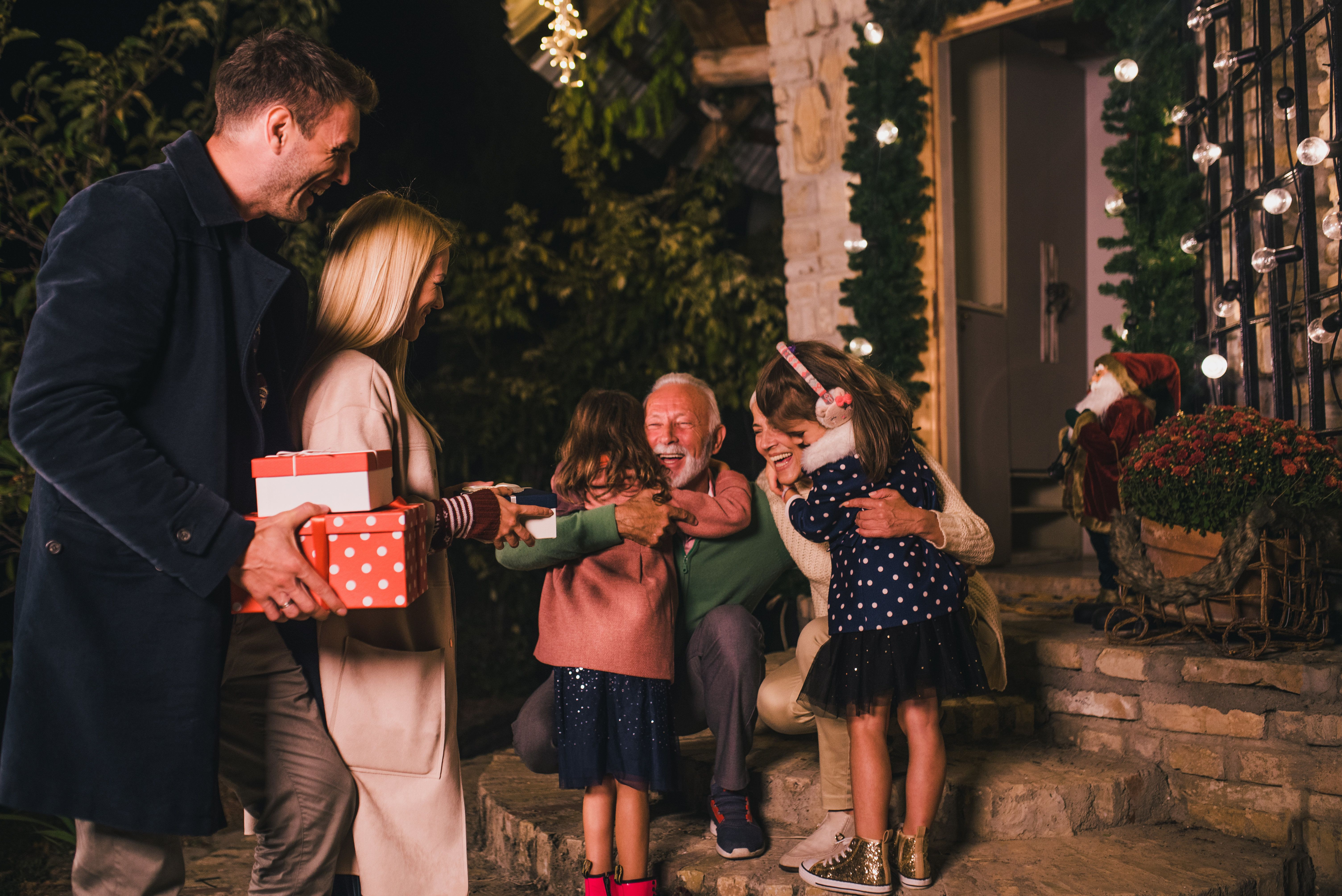 10 Things To Do With Your Kids This Christmas That Won't Cost A
