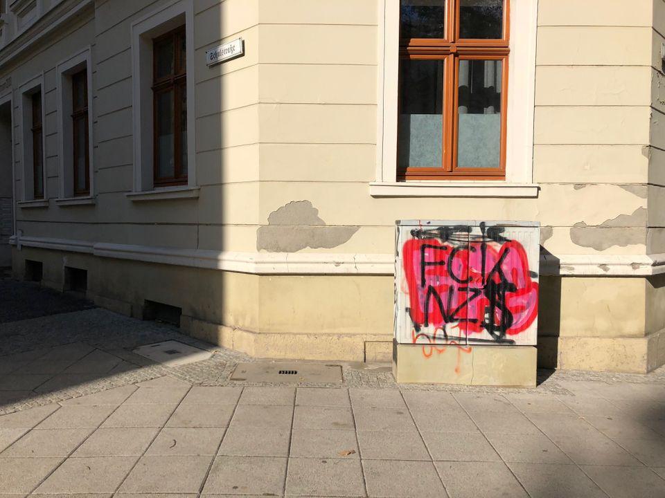 Mit das erste, was ich in Görlitz gesehen habe: Ein Stromkasten mit der Aufschrift
