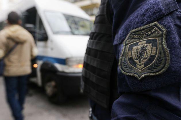 Ένας νεκρός σε συμπλοκή Αλβανών διακινητών ναρκωτικών με αστυνομικούς στα