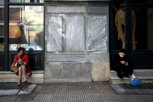 Δικαιούχοι και εισοδηματικά κριτήρια για το κοινωνικό μέρισμα - Οι πρώτες
