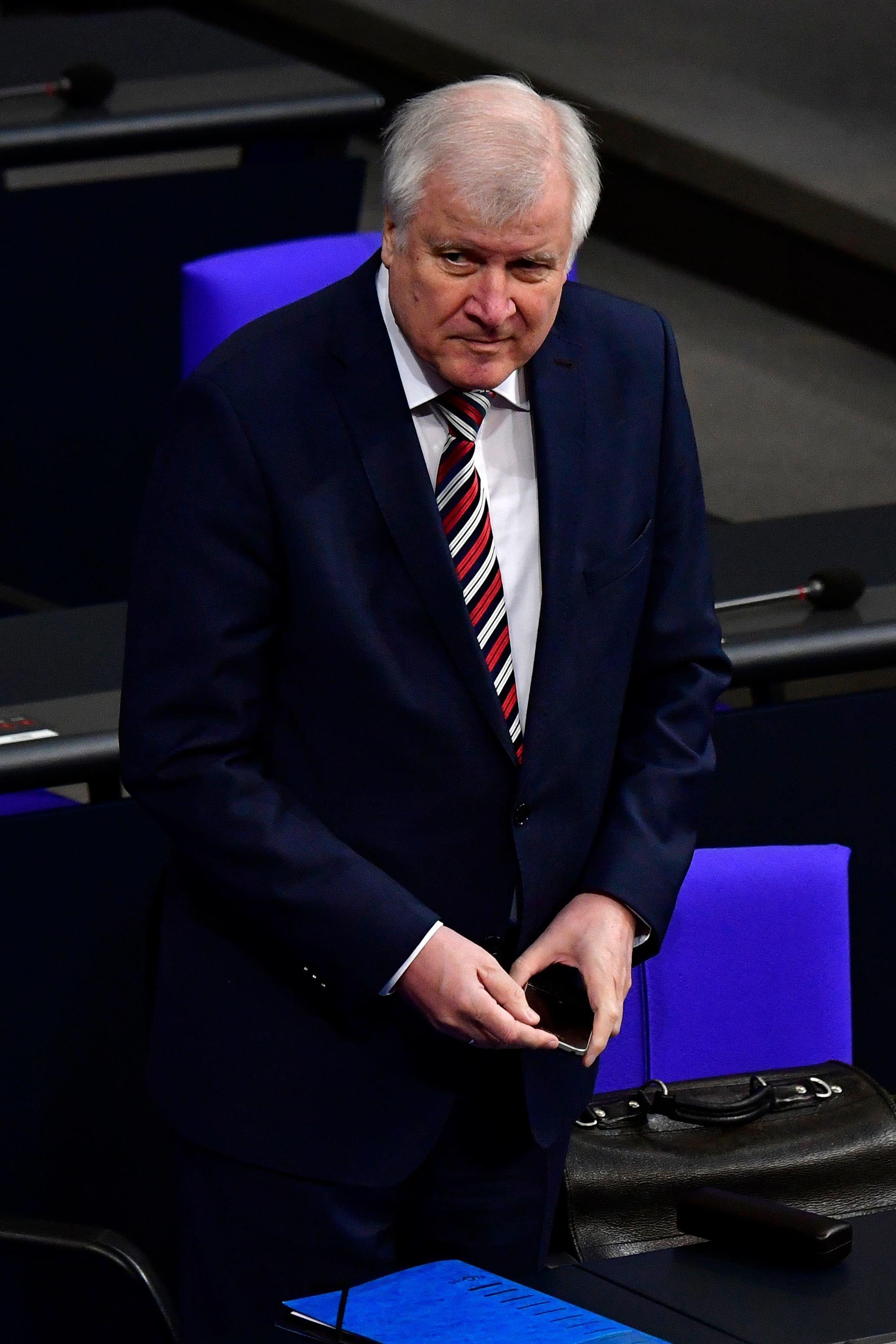 Innenminister Seehofer schließt Abschiebungen nach Syrien