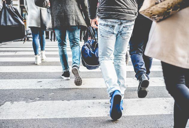 Τράπεζα προσφέρει 21% επιτόκιο σε όσους κάνουν 10.000 βήματα τη