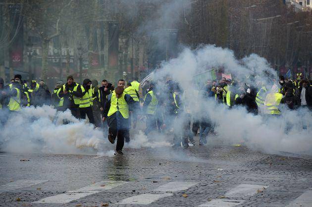 France: la manifestation des Gilets jaunes à Paris