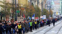 Ουγγαρία: Χιλιάδες φοιτητές στους δρόμους υπέρ του πανεπιστημίου του Τζορτζ
