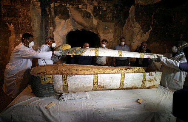 L'Egypte dévoile un tombeau et des sarcophages à