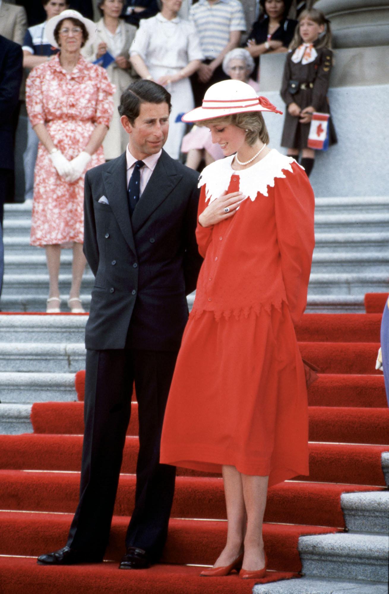 Insider verrät: Prinz Charles gab Lady Di eine Notiz in Nacht vor der