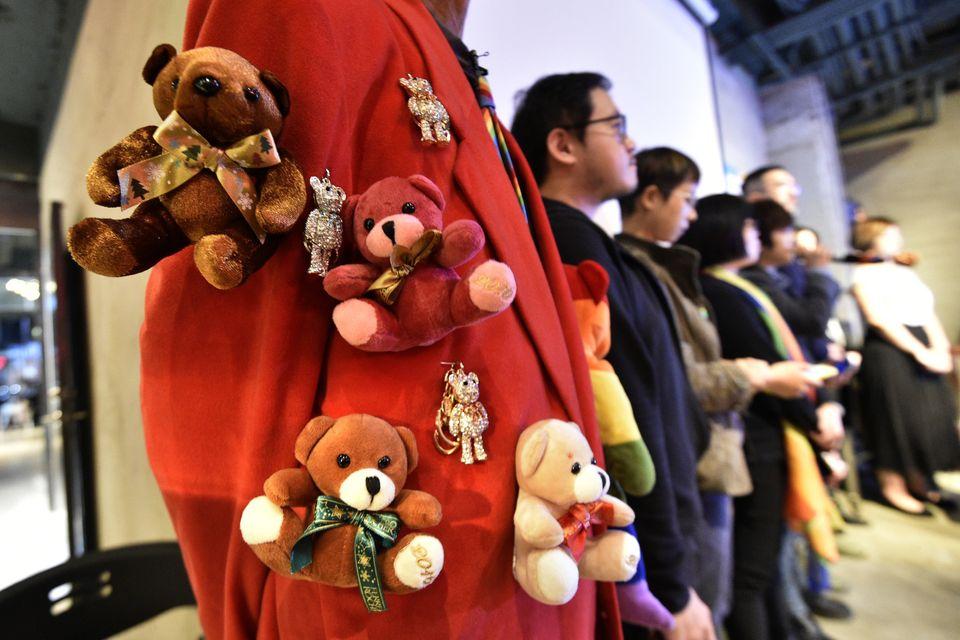 24일 대만 성소수자 인권 활동가들이 국민투표 결과가 나온 후 기자회견을 연