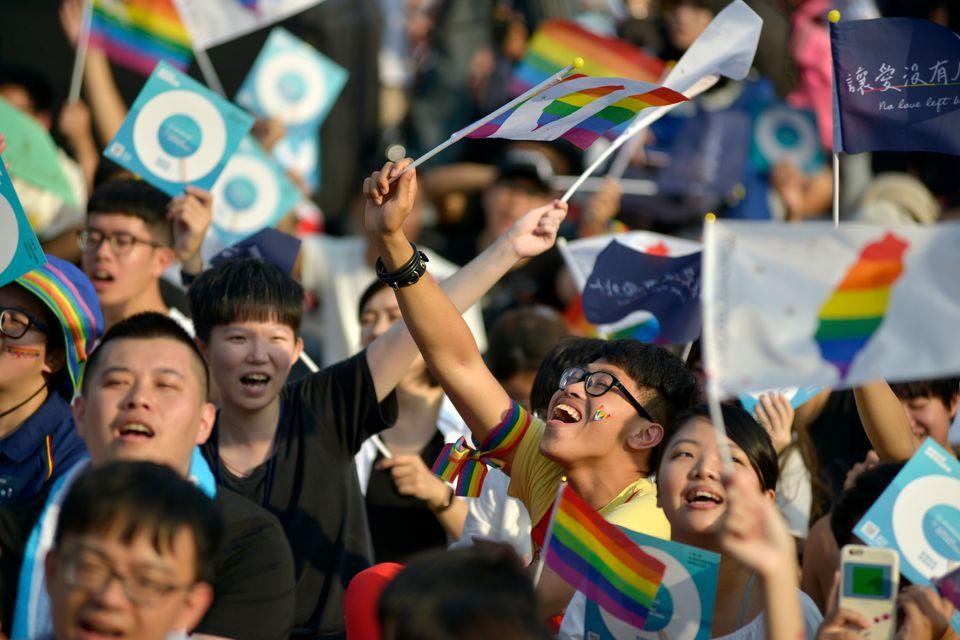 국민투표를 일주일 앞둔 지난 18일 열린 동성결혼 법제화 찬성 집회