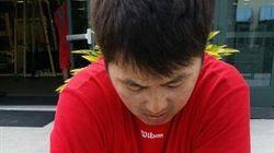 김원형 두산 코치, 그는 왜 한 손으로