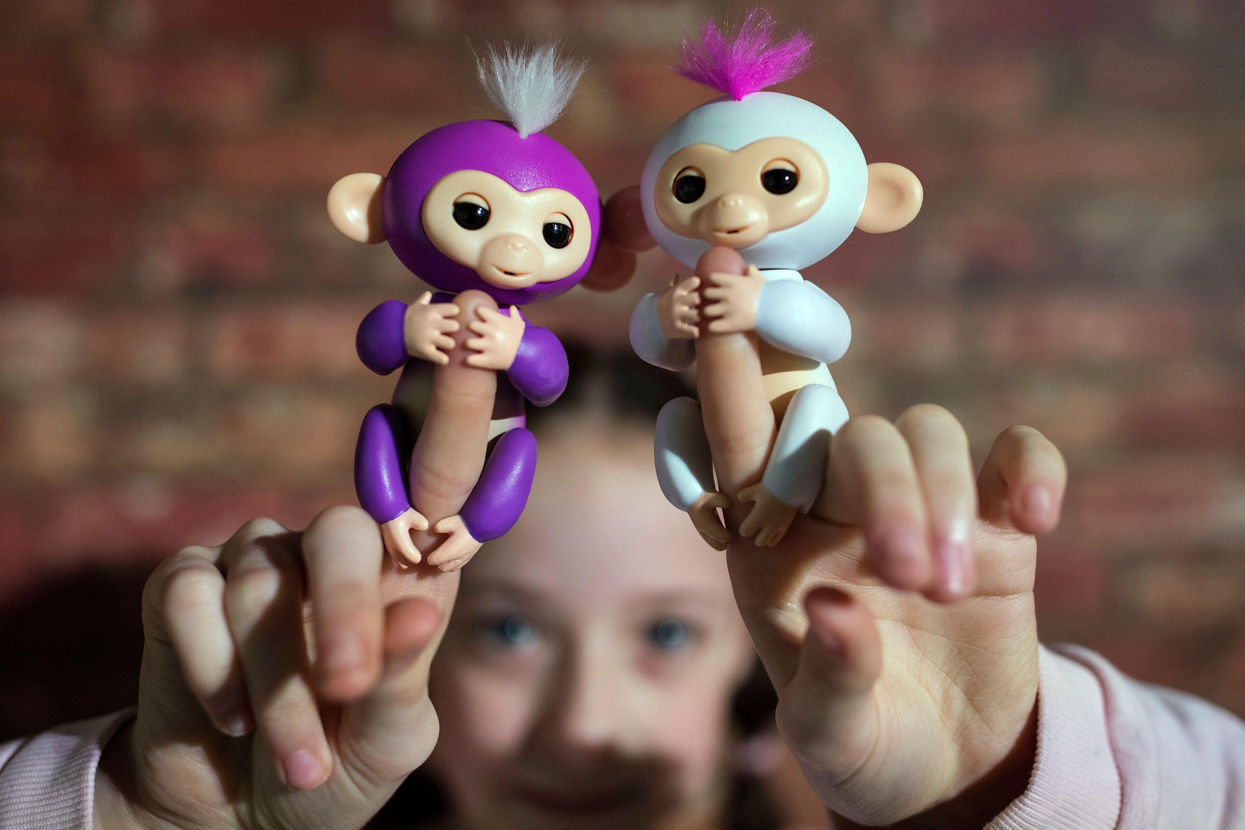 Beware Of Fake Fingerlings: Parents Warned About Too-Good-To-Be-True Toy