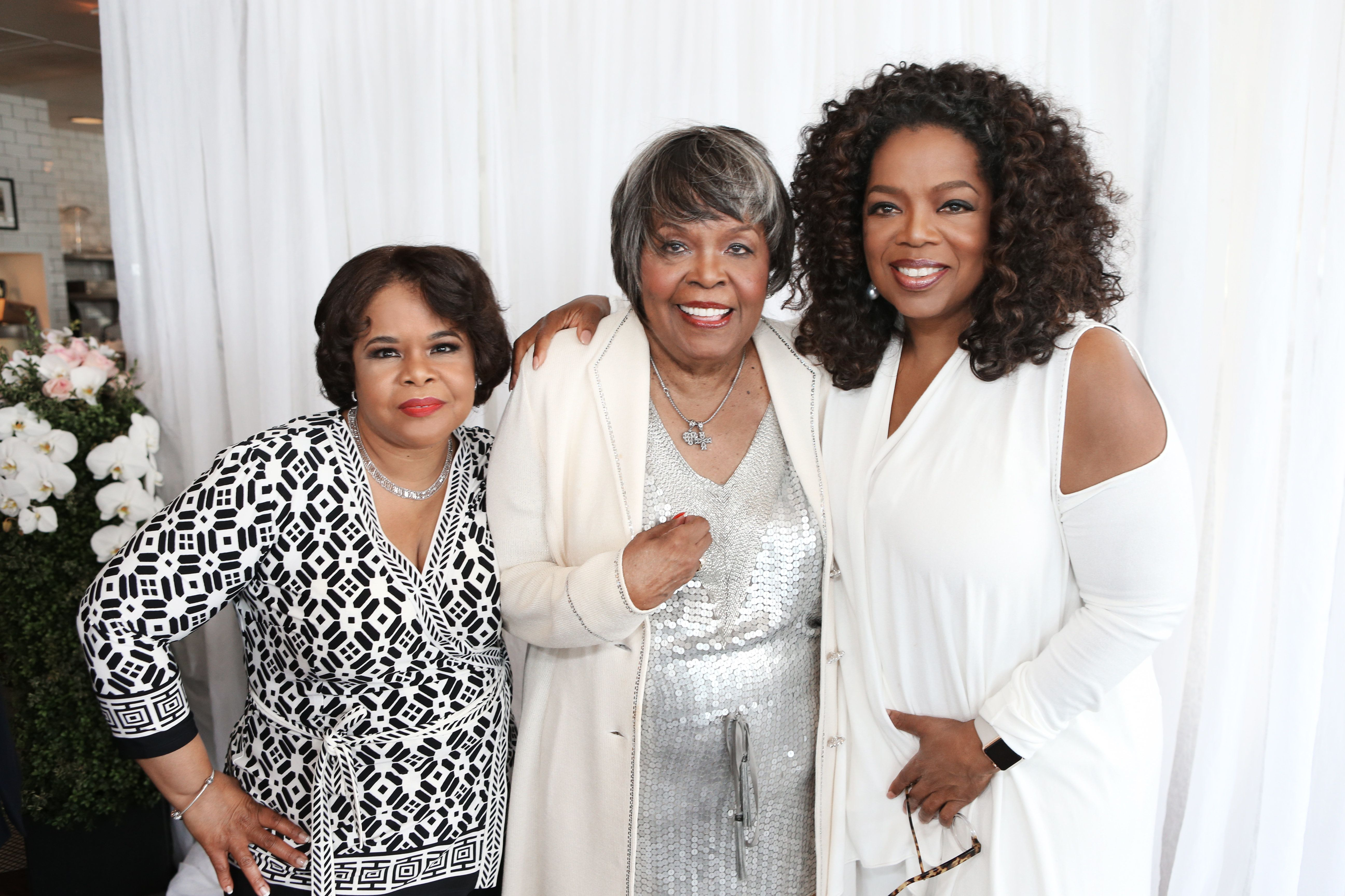 Vernita Lee (center) with her daughters Patricia Amanda Faye Lee (L) and Oprah Winfrey (R) at Vernita's 80th birthday p